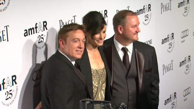 kevin huvane sandra bullock kevin robert frost at the amfar's inspiration gala at los angeles ca - kevin huvane stock videos & royalty-free footage