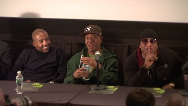 vídeos y material grabado en eventos de stock de kevin liles russell simmons and ll cool j at the russell simmons announces his new daytime job at press conference at new york ny - russell simmons