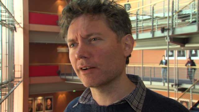 kevin macdonald on bob marley at marley interview: 62nd international film festival 2012 at berlinale palace on february 12, 2012 in berlin, germany. - ボブ・マーリー点の映像素材/bロール