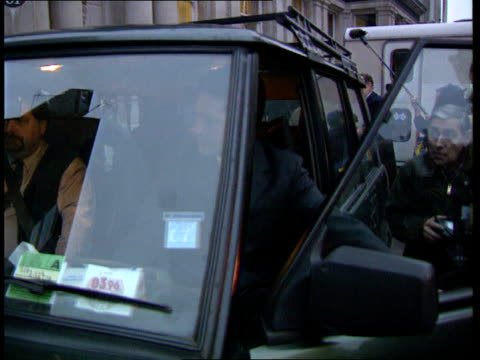 prosecution threat lib england london ext kevin maxwell sitting in car talking to press c4n - kevin maxwell stock videos & royalty-free footage