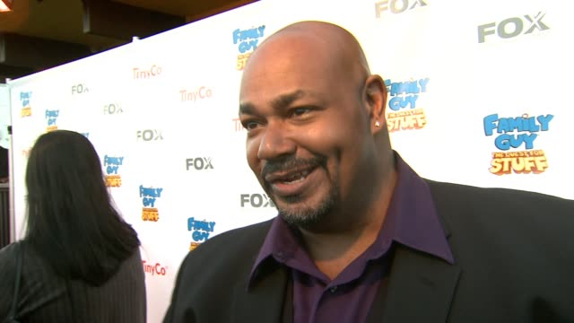 vidéos et rushes de kevin michael richardson on the best part of being part of the family guy franchise, why this show resonates with fans, looking forward to the game... - television game show