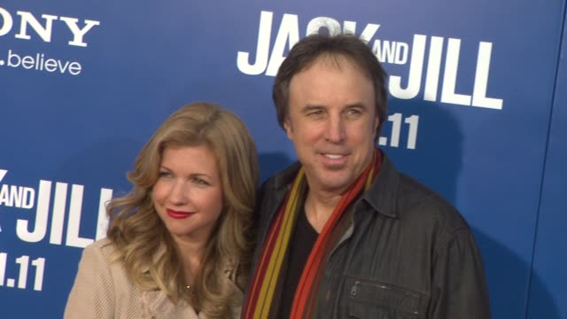 kevin nealon and susan yeagley at the 'jack and jill' world premiere at westwood ca - ウェストウッド地区点の映像素材/bロール