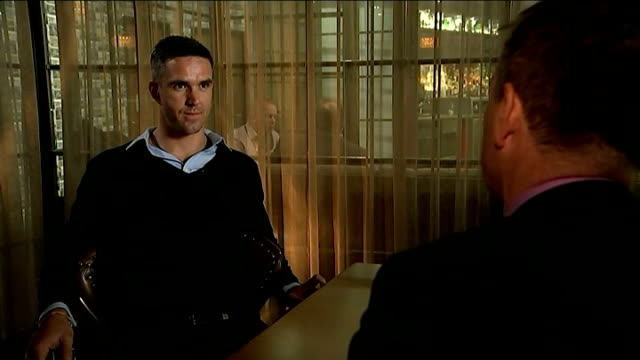 kevin pietersen launches autobiography; kevin pietersen interview sot - - i've needed to be forthright, i've needed to be honest and i've needed to... - 伝記点の映像素材/bロール