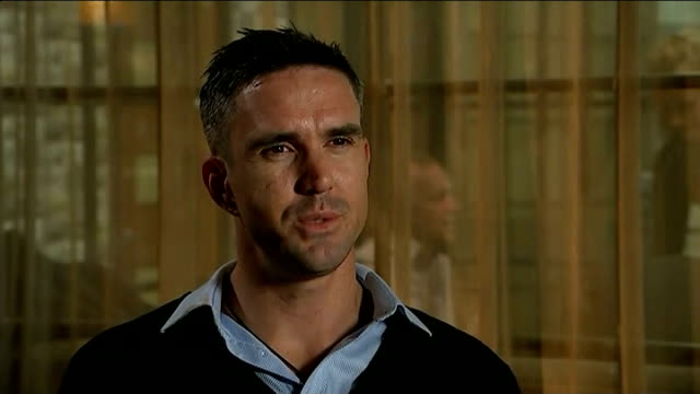 kevin pietersen launches autobiography manchester int kevin pietersen interview sot i don't know i hope so i live in hope but i don't know - biographie stock-videos und b-roll-filmmaterial