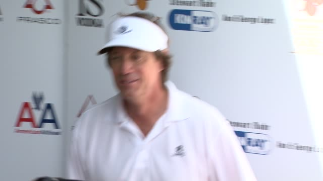kevin sorbo at the 2nd annual national kidney foundation celebrity golf classic at toluca lake ca. - toluca lake stock videos & royalty-free footage