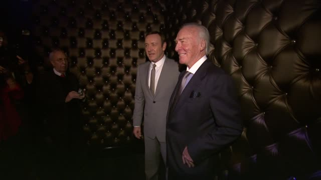 vídeos y material grabado en eventos de stock de kevin spacey and christopher plummer at the 13th annual monte cristo awards at eugene o'neill theatre on april 15, 2013 in new york, new york - christopher plummer