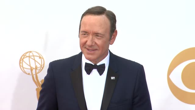 kevin spacey at 65th annual primetime emmy awards - arrivals on 9/22/2013 in los angeles, ca. - annual primetime emmy awards stock-videos und b-roll-filmmaterial