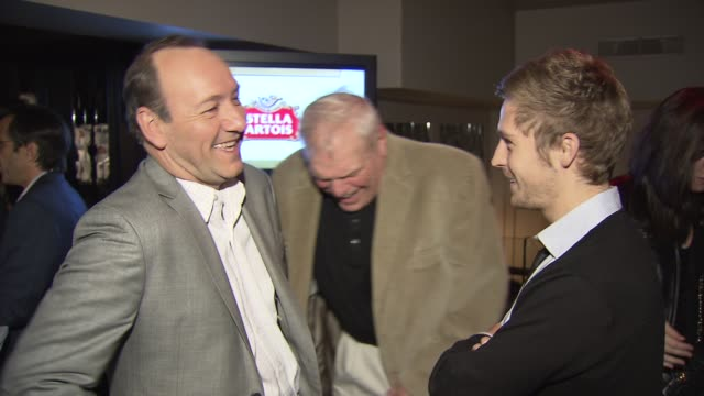 kevin spacey brian dennehy and guest at the kevin spacey announces winner of 2009 stella artois short film project at new york ny - brian dennehy stock videos & royalty-free footage