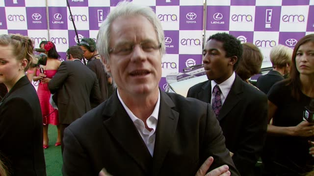 stockvideo's en b-roll-footage met kevin wall on attending the event and on what he would like others to know about environmental issues at the 2007 ema awards at the wilshire ebell... - wilshire ebell theatre
