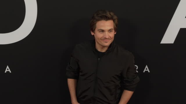 vídeos y material grabado en eventos de stock de kevin zegers at the ad astra special screening at arclight cinerama dome on september 18 2019 in hollywood california - cinerama dome hollywood