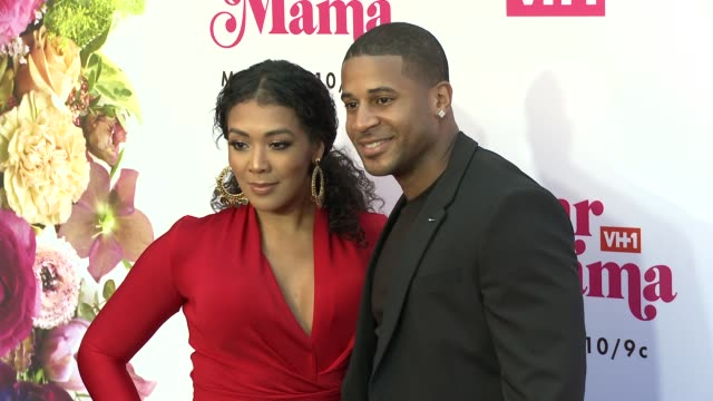khadeen ellis devale ellis at vh1 dear mama a love letter to mom premieres monday may 6th at 10pm et/pt on vh1 in los angeles ca - vh1 stock videos & royalty-free footage