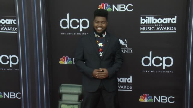 khalid at the 2019 billboard music awards at mgm grand garden arena on may 1 2019 in las vegas nevada - mgm grand garden arena stock videos & royalty-free footage