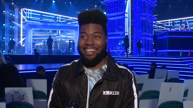 khalid on how he feels to be nominated for 6 billboard awards, what fans can expect from his performance, reminisces about how he felt the first time... - billboard点の映像素材/bロール