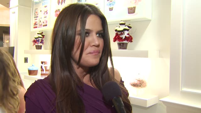 Khloe Kardashian on what kind of cupcake she would be on why she loves Famous Cupcakes and on why she wanted to give Famous Cupcakes as gifts to her...