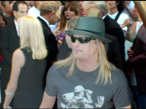 kid rock at the 2005 world music awards arrivals at the kodak theatre in hollywood, california on september 1, 2005. - kid rock stock videos & royalty-free footage