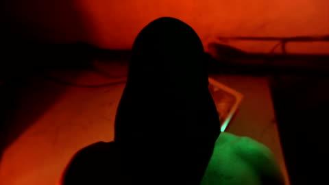 vídeos de stock, filmes e b-roll de sequestrada sequestradores tirar o saco de pó de cabeça de mello - atado