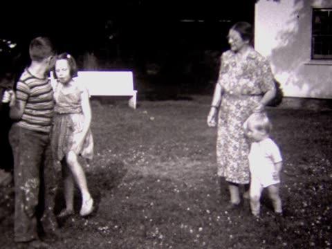 1937 kids and grandma with pony