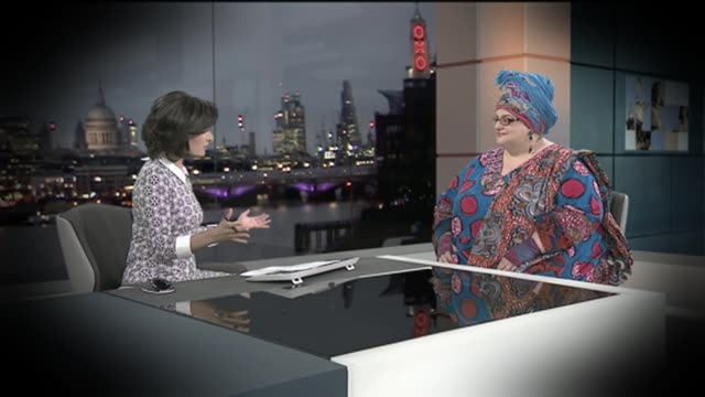 kids company charity closes amid allegations of financial mismanagement t09031514 camila batmanghelidjh being interviewed by nina hossain in london... - ニナ・ホサイン点の映像素材/bロール