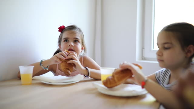 kids eating lunch - school lunch stock videos & royalty-free footage
