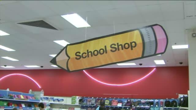 ktla kids going back to school shopping - 学校備品点の映像素材/bロール