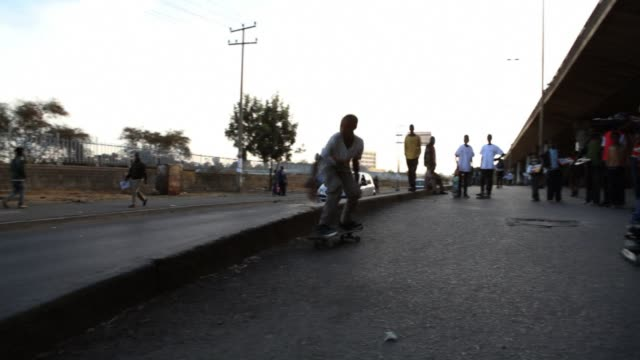 kids in ethiopia are empowering themselves through an unexpected sport skateboarding - corno d'africa video stock e b–roll