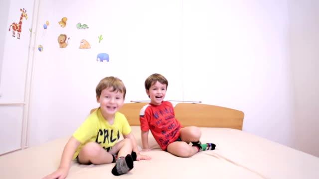 für kinder  - 2 3 jahre stock-videos und b-roll-filmmaterial