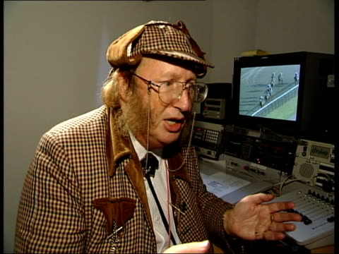stockvideo's en b-roll-footage met kieren fallon race fixing allegations itn london gir int cms john mccririck interview sot - john mccririck