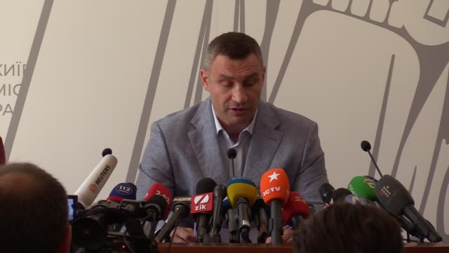 kiev's mayor former boxing heavyweight world champion vitali klitschko speaks during his press conference the political situation in ukrainian... - boxing heavyweight stock videos & royalty-free footage