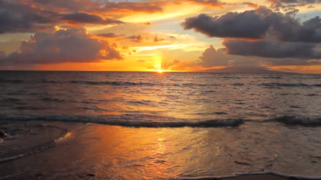 kihei beach sunset - 静かな情景点の映像素材/bロール