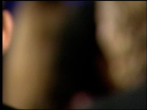 vidéos et rushes de kim basinger at the 1998 academy awards vanity fair party at morton's in west hollywood california on march 23 1998 - 70e cérémonie des oscars