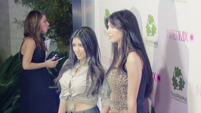 vídeos de stock e filmes b-roll de kim kardashian and brittny gastineau at the intermix celebrates los angeles debut on robertson blvd at intermix in beverly hills california on... - 2007
