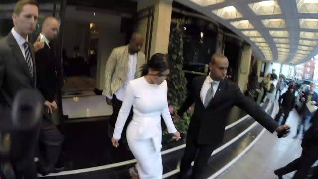 stockvideo's en b-roll-footage met kim kardashian and kanye west at the dorchester hotel at celebrity sightings in london on september 23, 2014 in london, england. - beroemdheden gespot