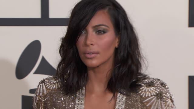 kim kardashian at the 57th annual grammy awards - red carpet at staples center on february 08, 2015 in los angeles, california. - 2015年 個影片檔及 b 捲影像