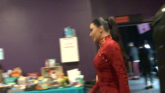 vidéos et rushes de kim kardashian at the american influencer awards at dolby theatre in hollywood in celebrity sightings in los angeles, - the dolby theatre