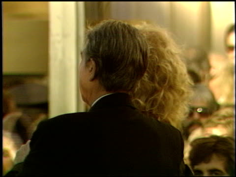 vidéos et rushes de kim novak at the 1989 academy awards at the shrine auditorium in los angeles, california on march 29, 1989. - 61e cérémonie des oscars