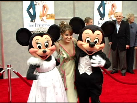kimberly brown with mickey mouse and minnie mouse at the walt disney pictures' 'ice princess' premiere at the el capitan theatre in hollywood,... - el capitan kino stock-videos und b-roll-filmmaterial