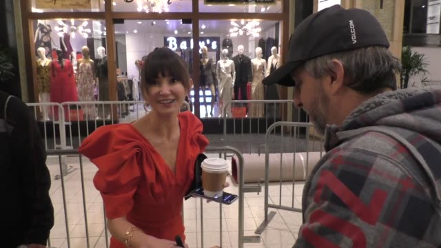 interview kimiko glenn talks about live action mulan vs animated mulan outside the premiere of disney's mulan at dolby theatre in hollywood in... - the dolby theatre stock videos & royalty-free footage