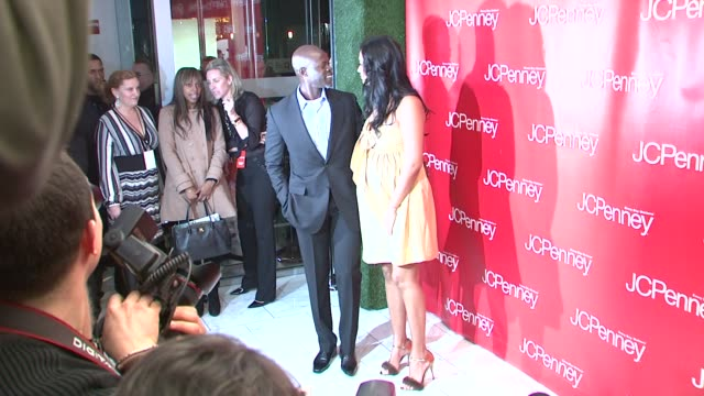 kimora lee simmons and djimon honsou at the jcpenney steps up its style with design partner's fashion showcase at new york ny - kimora lee simmons stock videos & royalty-free footage