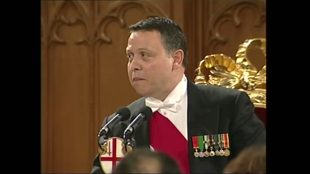king abdullah and queen rania of jordan state visit to the guildhall banquet; part 2 of 2 england: london: guildhall: int king abdullah ii of jordan... - partnership stock videos & royalty-free footage