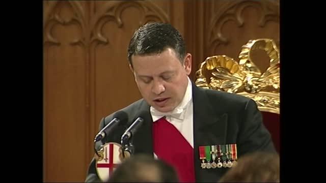 king abdullah and queen rania of jordan state visit to the guildhall banquet; part 1 of 2 england: london: guildhall: int king abdullah ii of jordan... - resilience stock videos & royalty-free footage