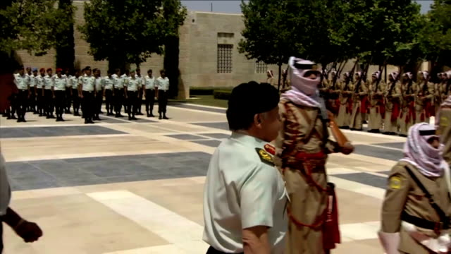 King Abdullah II hands over Hashemite standard to Armed Forces