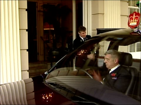 king abdullah of saudi arabia state visit clarence house meeting england london ext king abdullah of saudi arabia arriving in royal car out of car... - state visit stock videos & royalty-free footage