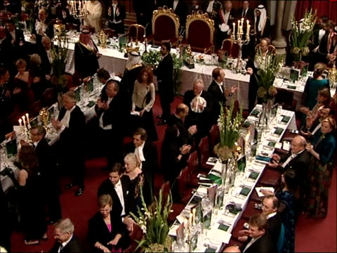king abdullah of saudi arabia state visit: guildhall state banquet; int high angle views and general views of guests going in to banquet hall / high... - state dinner stock videos & royalty-free footage