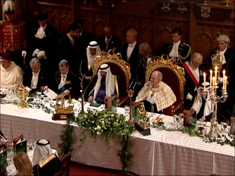 king abdullah of saudi arabia state visit: guildhall state banquet; high angle view of banquet as lights lowered and king welcomed sot / high angle... - state dinner stock videos & royalty-free footage