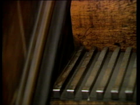 King Cross fire report CMS Wooden escalator step as up PULL OUT R ITN