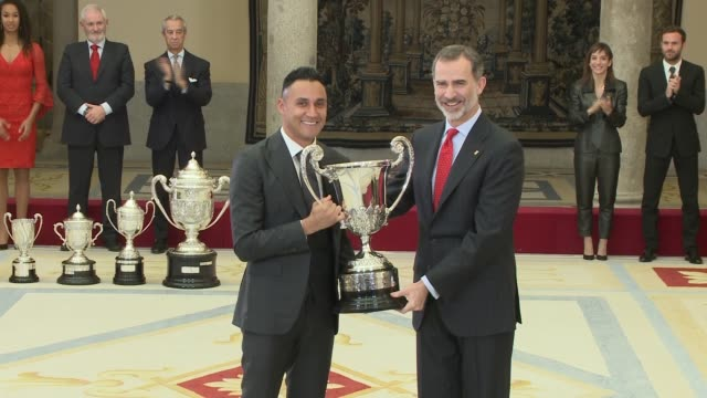 stockvideo's en b-roll-footage met king felipe vi of spain and keylor navas attends to national sports awards at royal palace of el pardo - pardo