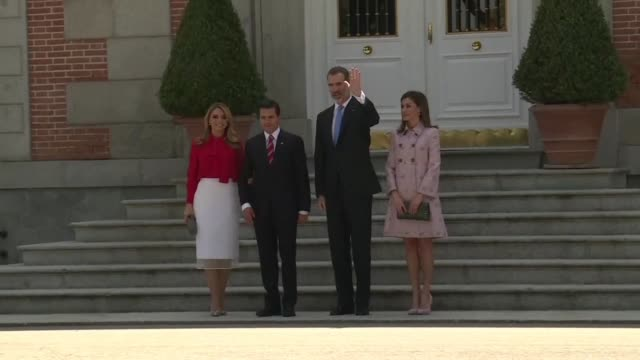 King Felipe VI of Spain and Queen Letizia greet Mexican President Enrique Pena Nieto and his wife Angelica Rivera upon their arrival at Zarzuela...