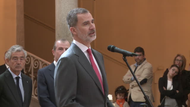 king felipe vi of spain receives 'que es un rey para ti' competition winners - contestant stock videos & royalty-free footage