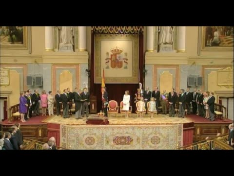 king felipe vi swears constitution - queen letizia of spain stock videos and b-roll footage