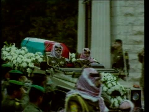Funeral POOL JORDAN Amman EXT Coffin of King Hussein of Jordan draped in the Jordanian flag carried along by soldiers King Abdullah successor to King...